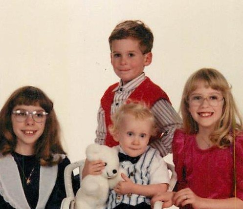 The four oldest Simmons Kids