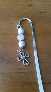 Bookmark. Beads with pink roses